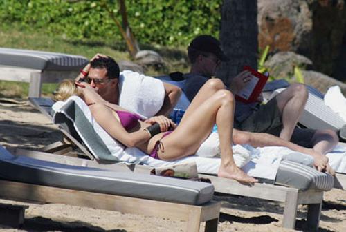 20080129 uma thurman slut Uma Thurman: una romantica vacanza al mare
