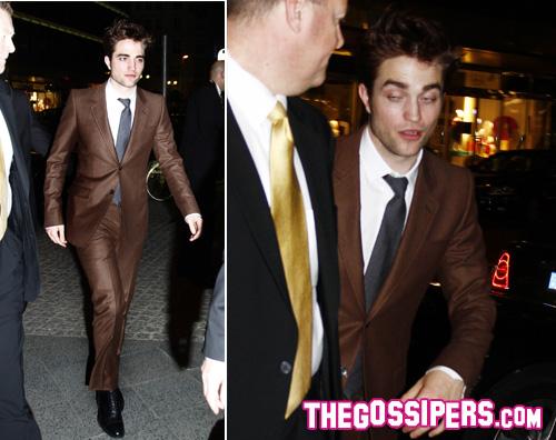 Robert Pattinson A Berlino Per Come Acqua Per Gli Elefanti Gossip