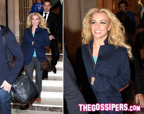britney spears parigi Britney Spears sorridente a Parigi