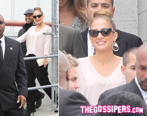 jlo guardie Jennifer Lopez super scortata da Best Buy