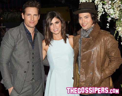 twilight Nikki, Jackson e Peter presentano Twilight Forever