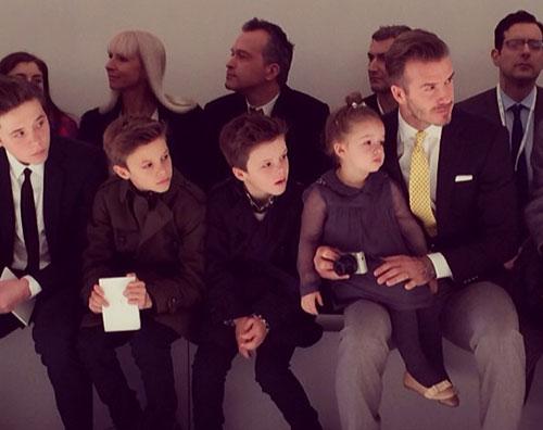 La famiglia beckham alla new york fashion week gossip for Casa famiglia new york