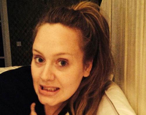 Adele senza trucco per... Salma Hayek Instagram Account