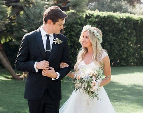 ashley1 Ashley Tisdale ha sposato Christopher French