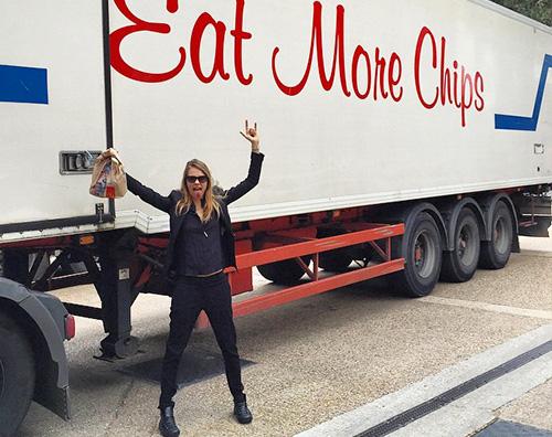 Cara Delevingne è una fan delle patatine fritte