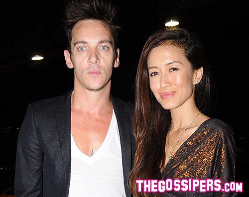 Jonathan Rhys Meyers  Jonathan Rhys Meyers sposerà Mara Lane?