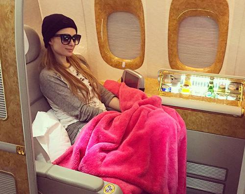 Paris Hilton2 Paris Hilton si gode un viaggio intorno al mondo