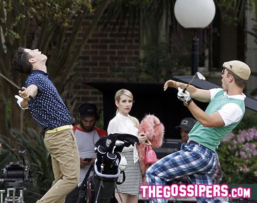 Nick Emma Glenn Nick Jonas muscoli sul set di Scream Queens