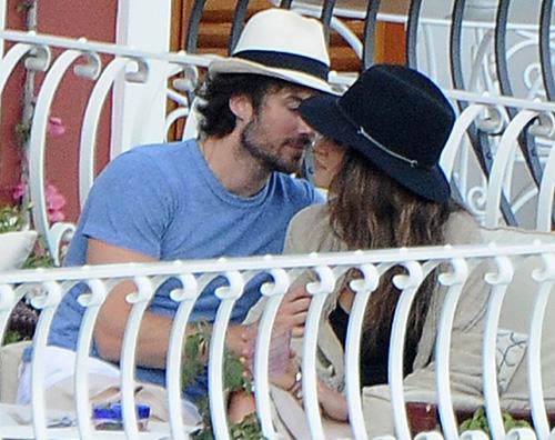 Ian e Nikki vacanza a positano Ian Somerhalder e Nikki Reed: vacanza a Positano