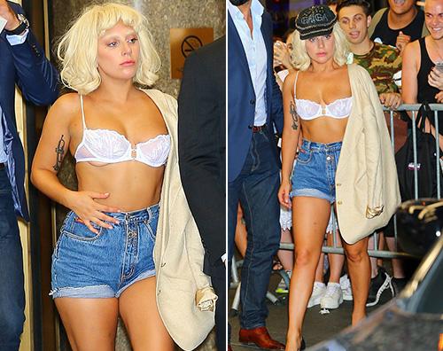 Lady Gaga2 Lady Gaga in reggiseno dopo il concerto