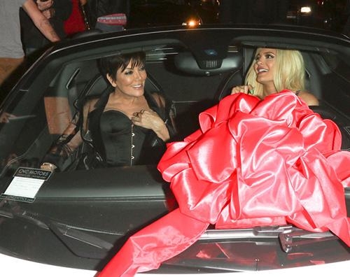 Kylie e Kris Tyga, una Ferrari per i 18 anni di Kylie Jenner