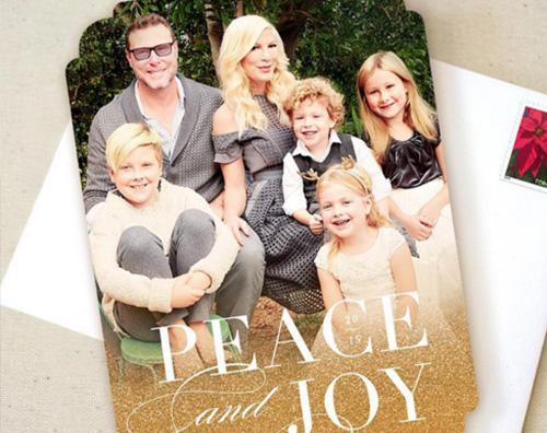 Tori Spelling Tori Spelling mostra la sua Holiday Card