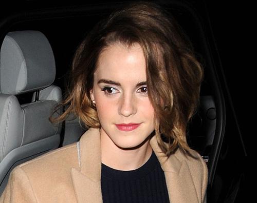 Nuovo taglio di capelli emma