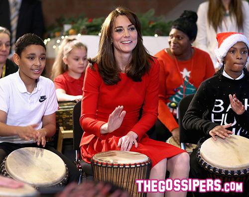 Kate Middleton1 Kate Middeton in rosso all Anna Freud Centre Family School