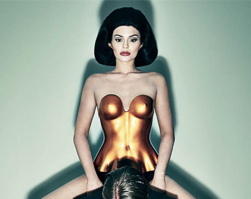 Kylie Jenner Cover Kylie Jenner è hot su Interview Magazine