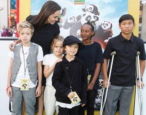 Angelina Jolie figli Angelina Jolie presenta Kung Fu Panda insieme ai suoi figli