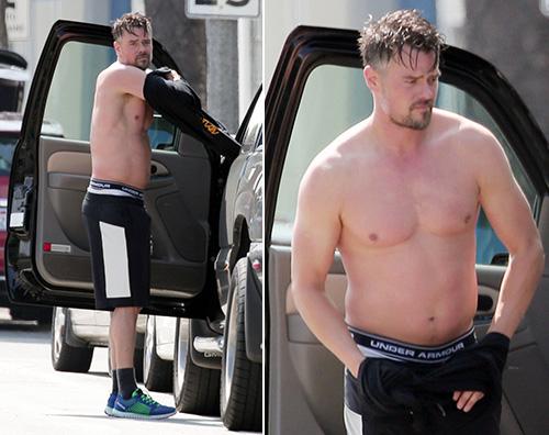 Josh Duhamel Josh Duhamel, spogliarello improvvisato alla luce del sole