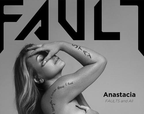 Anastacia 1 1 Anastacia si spoglia per Fault Magazine