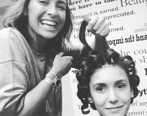 Nina Dobrev 1 Anche Nina Dobrev si prepara su Instagram per i Golden Globes
