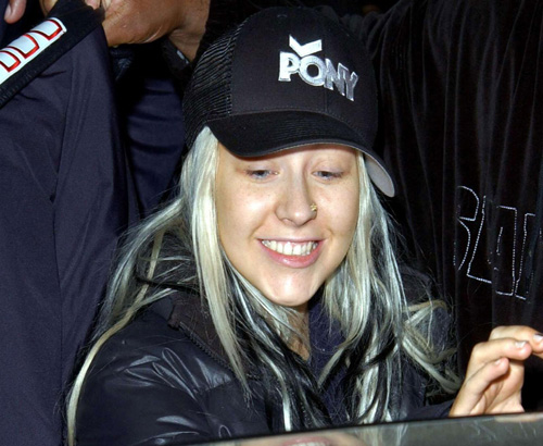 aguileranomakeup 1 Una lancia a favore di Christina Aguilera senza  make up