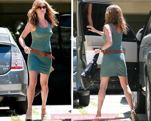 anistoningiro Jennifer Aniston in giro per LA