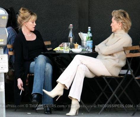 donne Melanie e Sharon a pranzo insieme