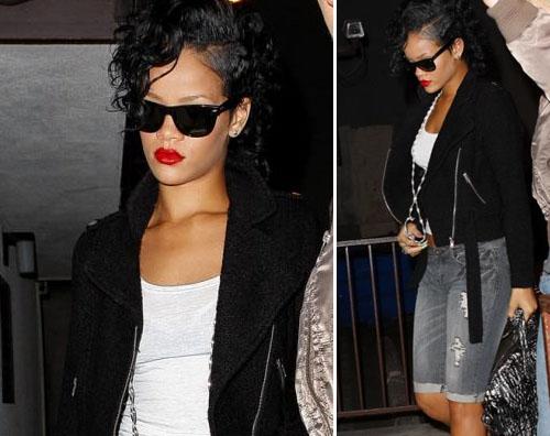 riri recording Rihanna in studio di registrazione
