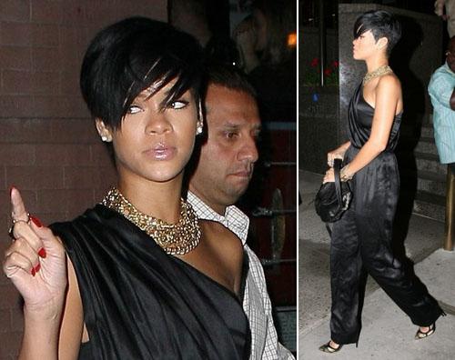riri Rihanna a New York con amici