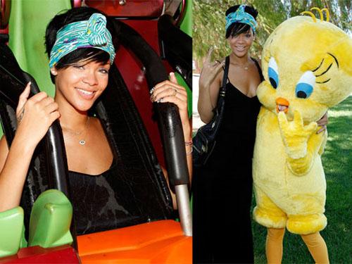 rihannatitti Rihanna si diverte al Six Flags