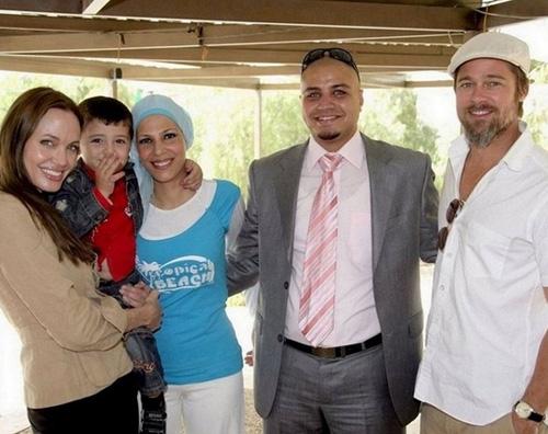 giordania brad angie Angelina e Brad impegnati in Giordania