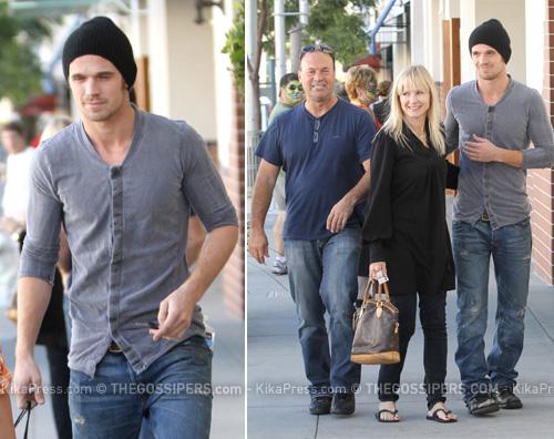 cam famiglia Cam passeggia con mamma e papà