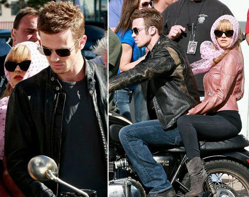 cam christina burlesque Cam Gigandet in moto con Christina Aguilera