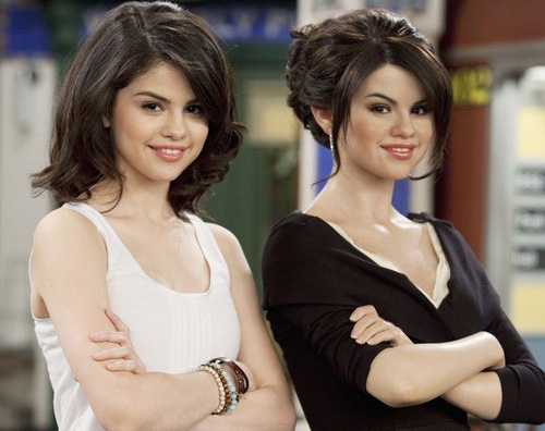 selena cera Selena Gomez presenta la sua copia