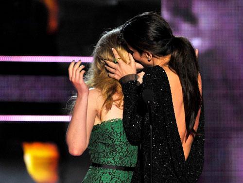 bullock scarlett2 I momenti più belli degli Mtv Movie Awards 2010