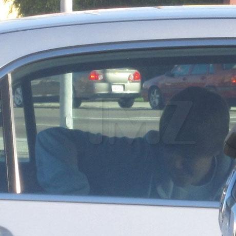 bieber car 0002 Layer 2 copy full Justin Bieber bacia Jasmine in auto!