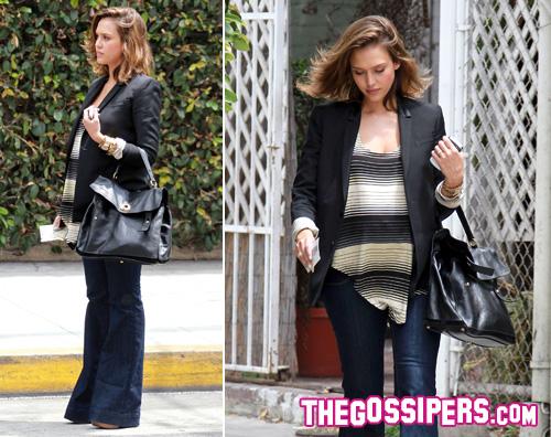 zampa alba Anche Jessica Alba sceglie i jeans a zampa