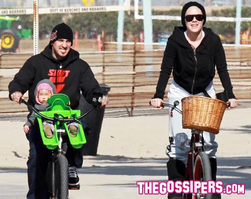 pink famiglia Giro in bicicletta per Pink e Carey