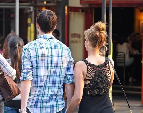 jennifer nicholas Jennifer Lawrence e Nicholas Hoult a Londra