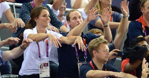 tumblr m85i07YCpi1r8rrz4o2 500 Euforia e abbracci per William e Kate