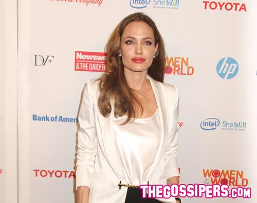 angelina reg Unaltra operazione preventiva per Angelina Jolie