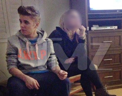 justin canna1 Justin Bieber: festini e marijuana per TMZ