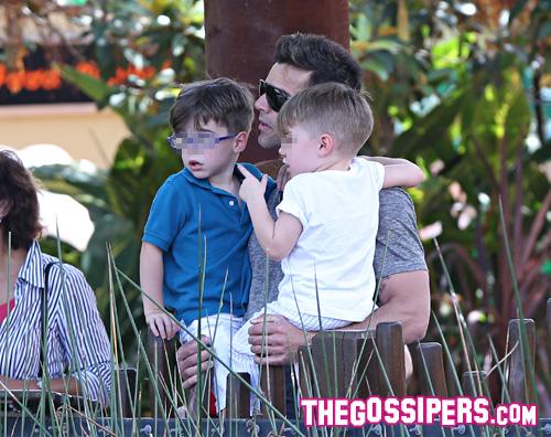 rickymartin1 Ricky Martin porta i figli allo zoo