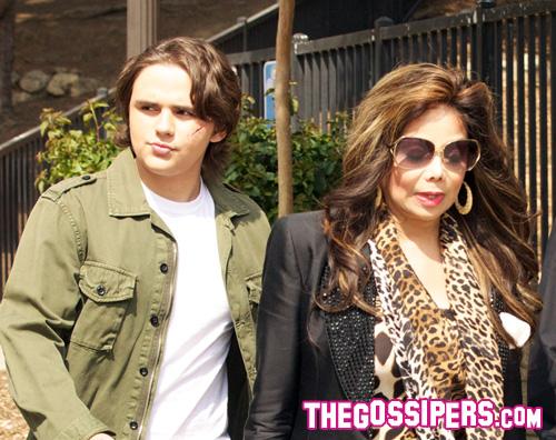 toya prince Il figlio di Michael Jackson sul set di 90210