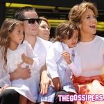 Jennifer e Casper2 150x150 Jennifer Lopez riceve una stella sulla Walk of Fame