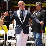 pit bull 150x150 Jennifer Lopez riceve una stella sulla Walk of Fame