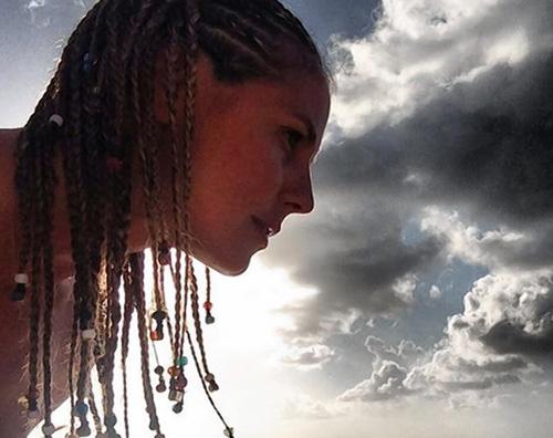 treccine Heidi Klum mostra il lato B su Instagram