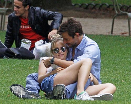 coope Bradley Cooper innamorato a Parigi