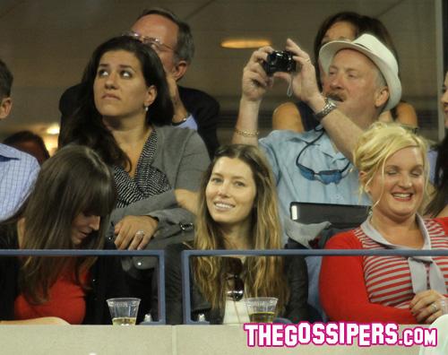 biel1 Jessica Biel con le amiche agli US Open