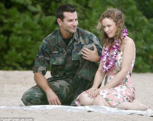 1le Bradley Cooper flirta con Rachel McAdams