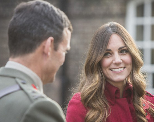 kate2 Kate Middleton mostra i primi capelli bianchi